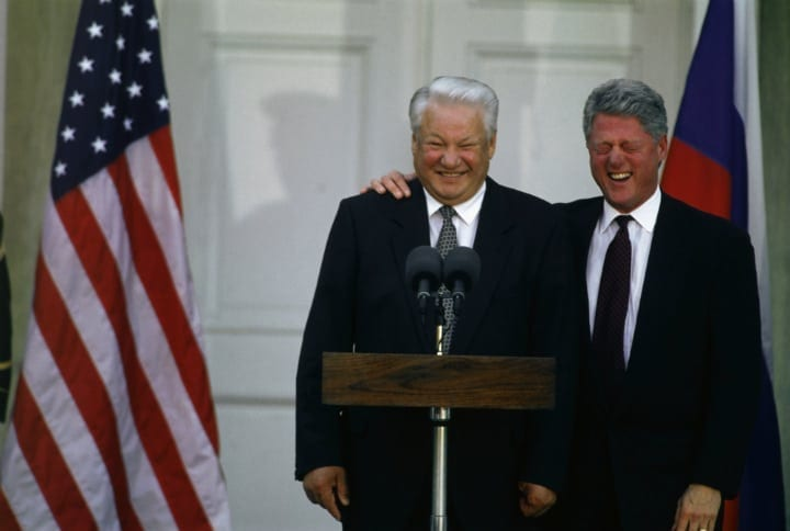 That one time Boris Yeltsin was drunk outside the White House trying to get some pizza