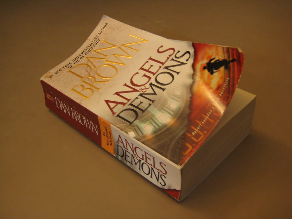 "Image of Dan Brown's ""Angels and Demons"""