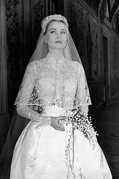 Grace Kelly S Wedding Dress Remains The Most Beautiful In History