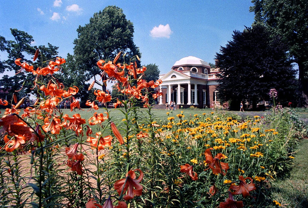 Monticello highlighted by flowers in the Spring