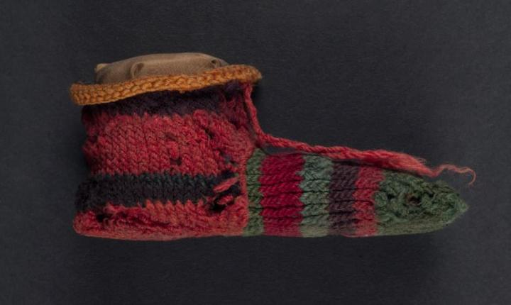 1,700-year-old sock sheds light on walking like an ancient Egyptian