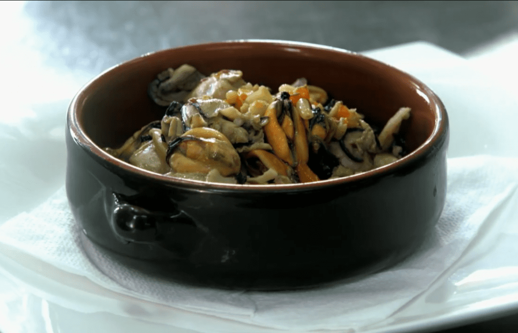 food, seafood, ancient recipes, Baian Casserole, muscles, clams, oysters, fancy