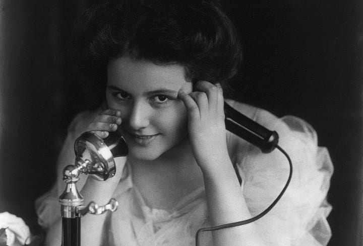 January 7, 1927: First commercial phone call made between London and New York