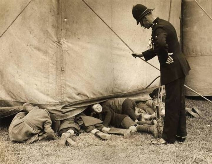 kids sneak in circus tent police