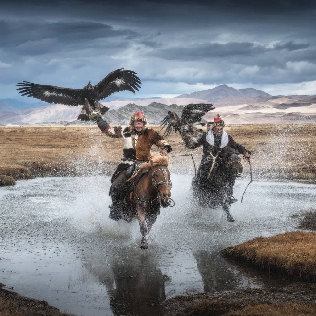 Incredible photos of the last Mongolian eagle hunters
