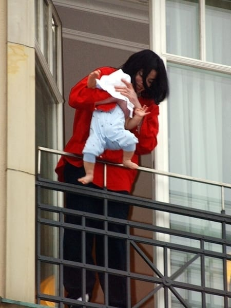 Michael Jackson pictured with son, blanket