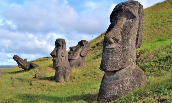 April 5, 1722: Europeans land on Easter Island