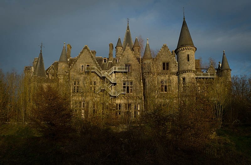 Chateau Miranda, abandoned mansion in low light
