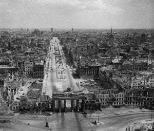 Berlin-Germany-1945-Berlin-before-and-after