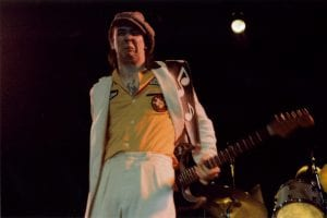 Stevie-Ray-Vaughn-greatest-guitarists