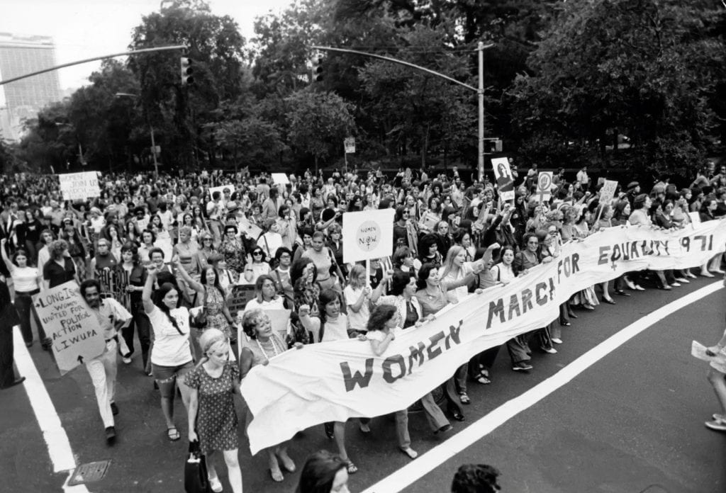 Women's March for Equality in 1971, women marching for equal pay