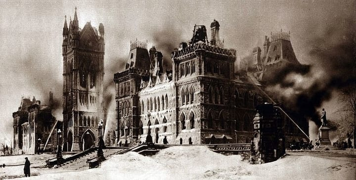 Newspaper picture of the Parliament Hill fire in 1916