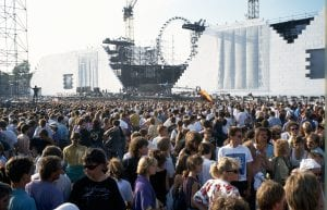 The-Wall-concert-Pink-Flyod-the-Berlin-Wall-1990