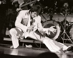 Elvis-Presley-April-1977