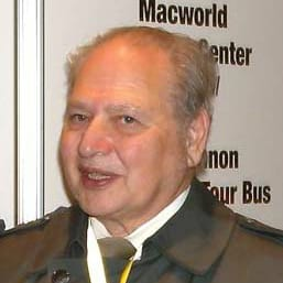 Ronald Wayne at Macworld, founder of Apple, sold off shares