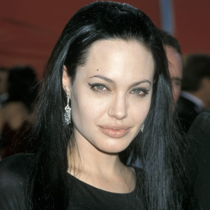 angelina-jolie-bad-girls