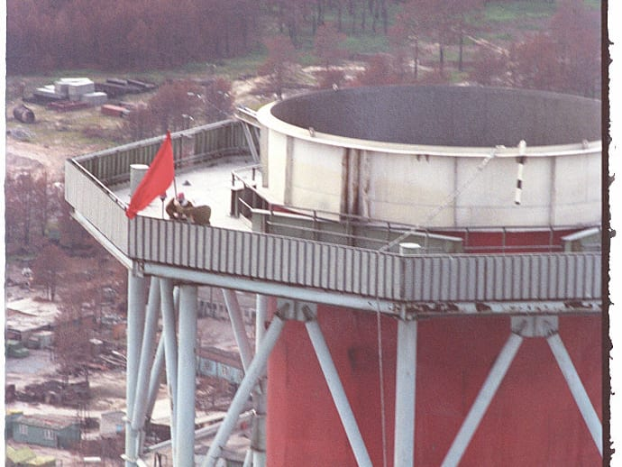 Place red flag on top of chimney, Chernobyl