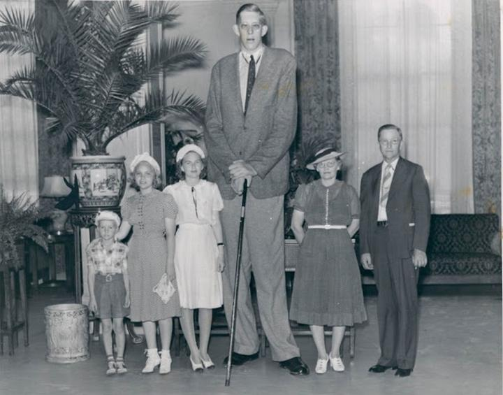 Robert Wadlow: the tallest man in history