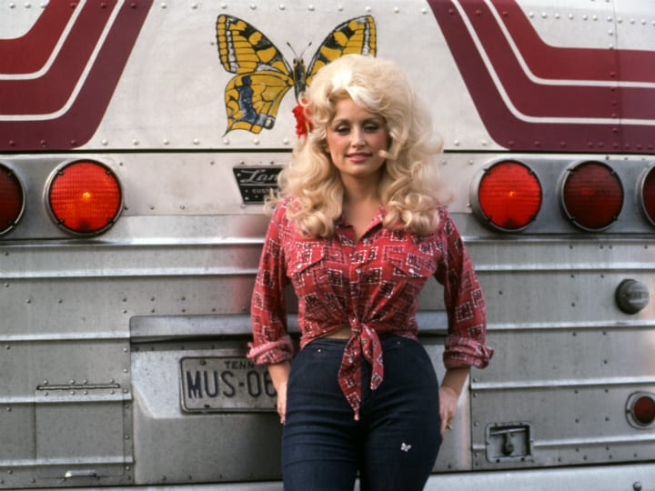 dolly-parton-touring