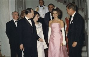 Jacqueline-Jackie-Kennedy-Onassis-John-Kennedy-White-House-First-Lady