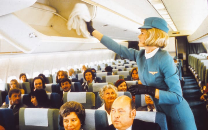 vintage-air-travel-stewardess-flight-attendant-glamorous