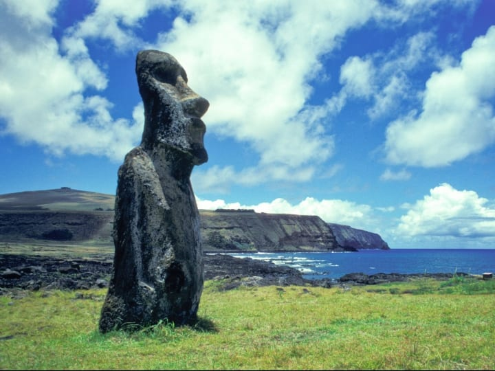 Chile, Easter Island, Moai.