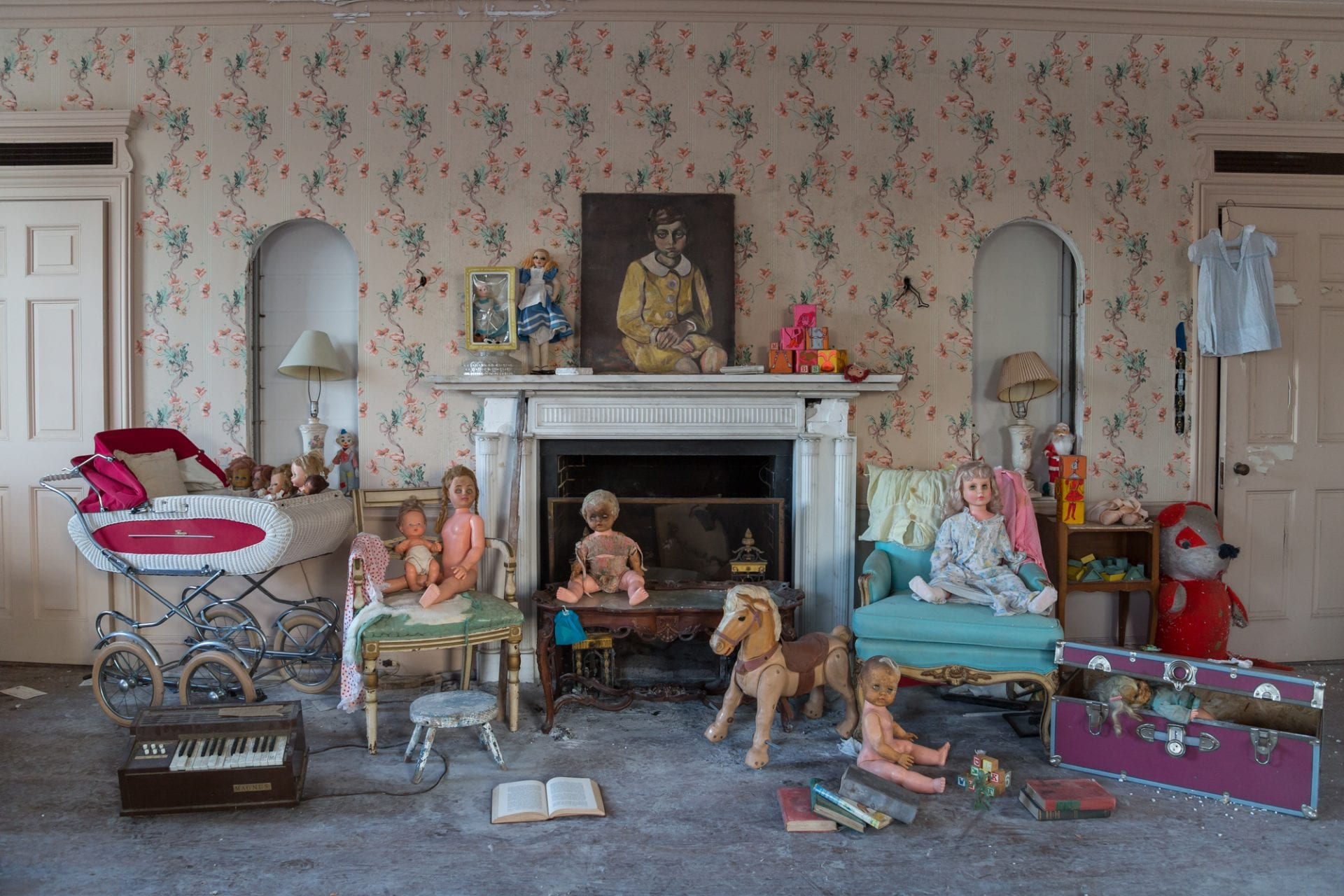 57-room-mansion-New-York-City-dolls-toys