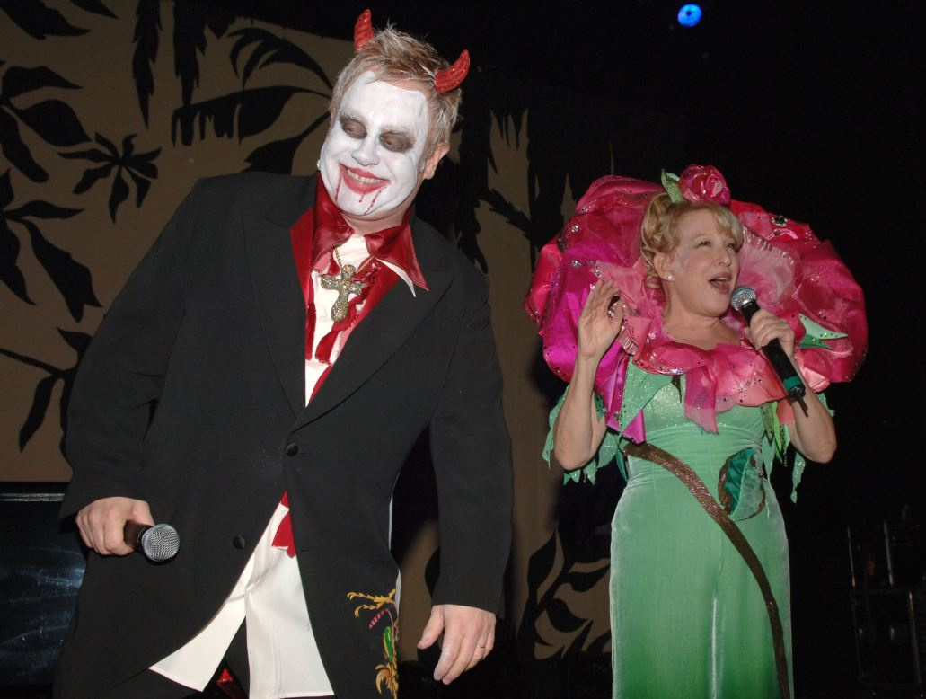 Elton-John-Bette-Midler-2005-celebrity-famous-people-halloween-costumes