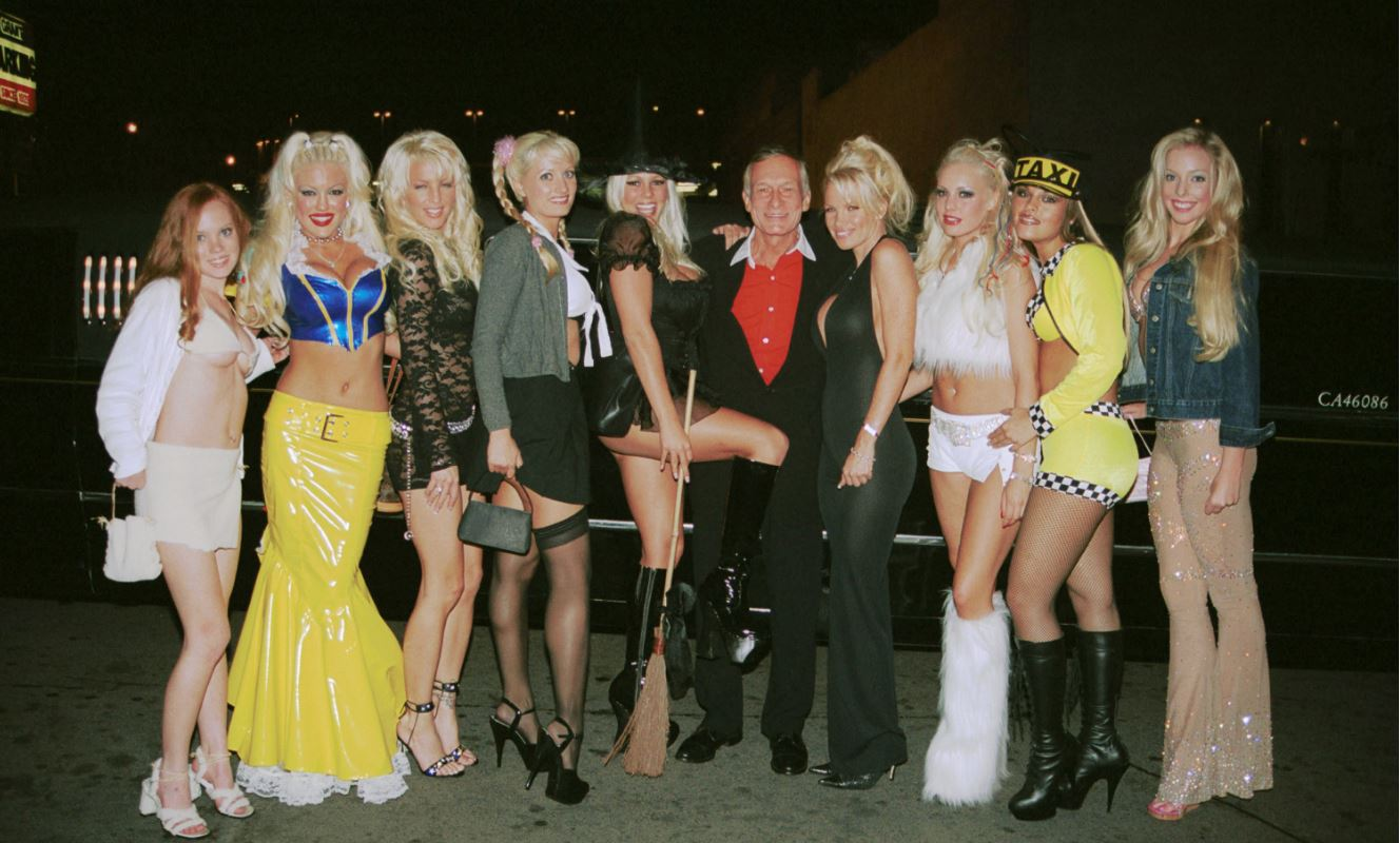 Hugh-Heffner-Playboy-bunnies-celebrity-famous-people-Halloween-costumes