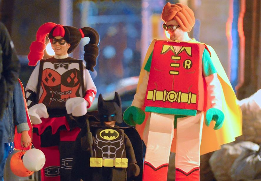 Justin-Timberlake-Jessica-Beil-Lego-Batman-and-Robin-trick-or-treat-celebrity-famous-people-Halloween-costumes