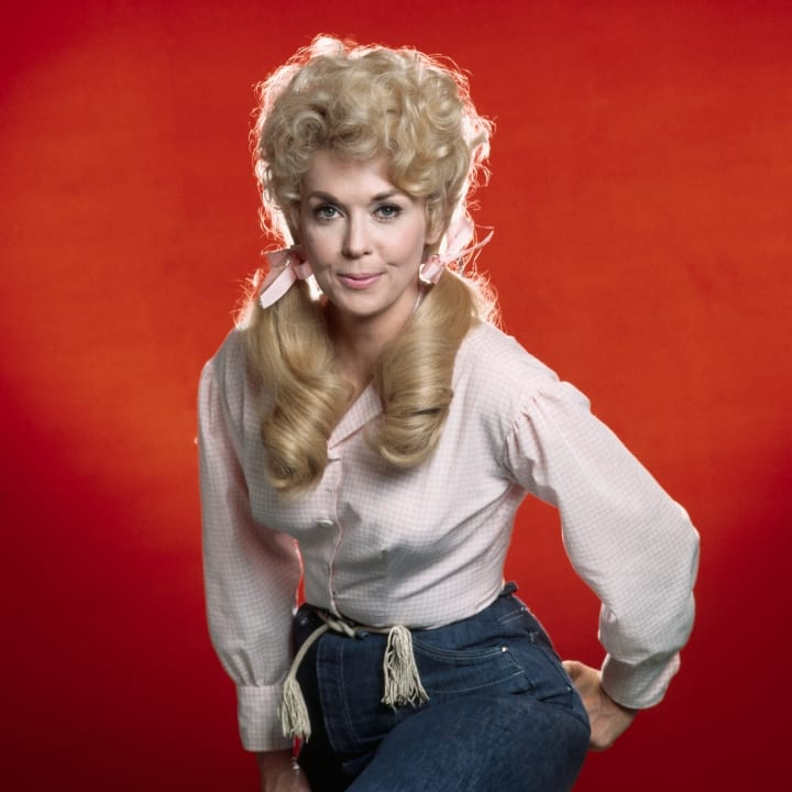 Publicity photo of Donna Douglas as Elly May Clampett from The Beverly Hillbillies, (1962-1971).