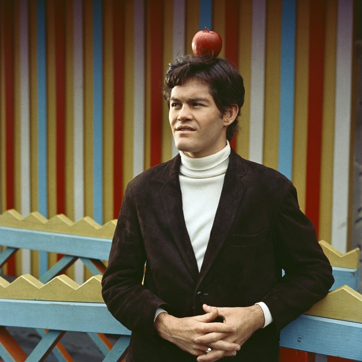 micky dolenz apple on head
