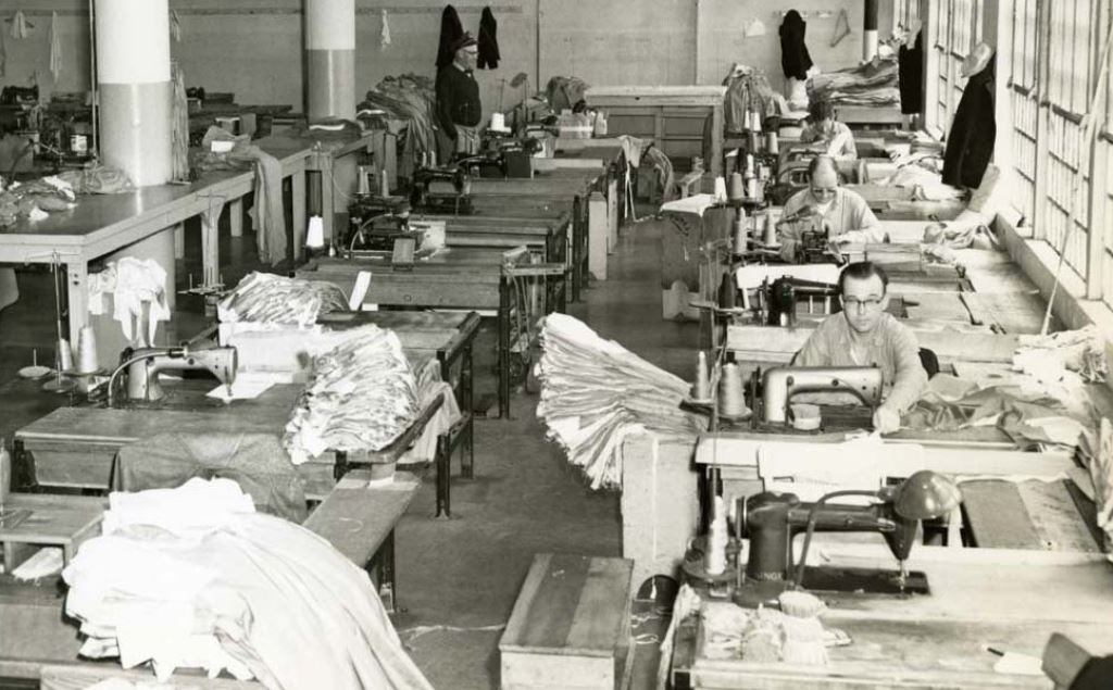 Alcatraz-island-penitentiary-haunted-evil-prisoners-Henri-Young-paranormal-sewing-room