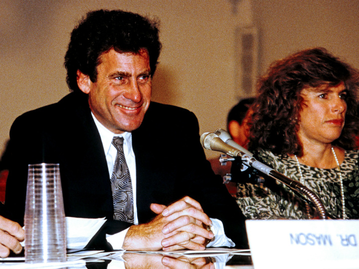Paul Michael Glaser in court