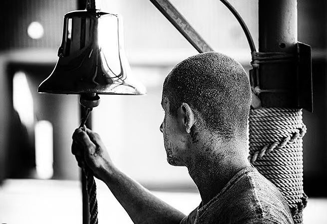 Navy-SEALs-BUD/S-buds-training-ring-the-bell-tap-out