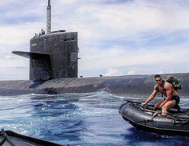 Navy-SEALs-BUD/S-buds-training-ocean-submarine-underwater-demolition-zodiac