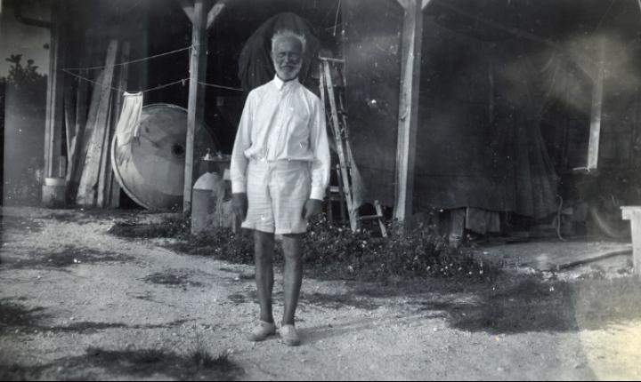 Count Carl Tanzler von Cosel at his building on Flagler