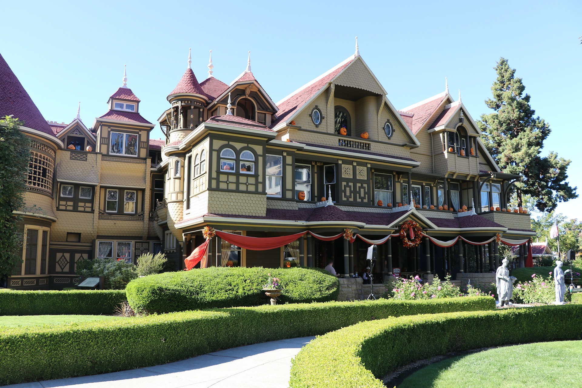 winchester-mystery-house-3879524_1920